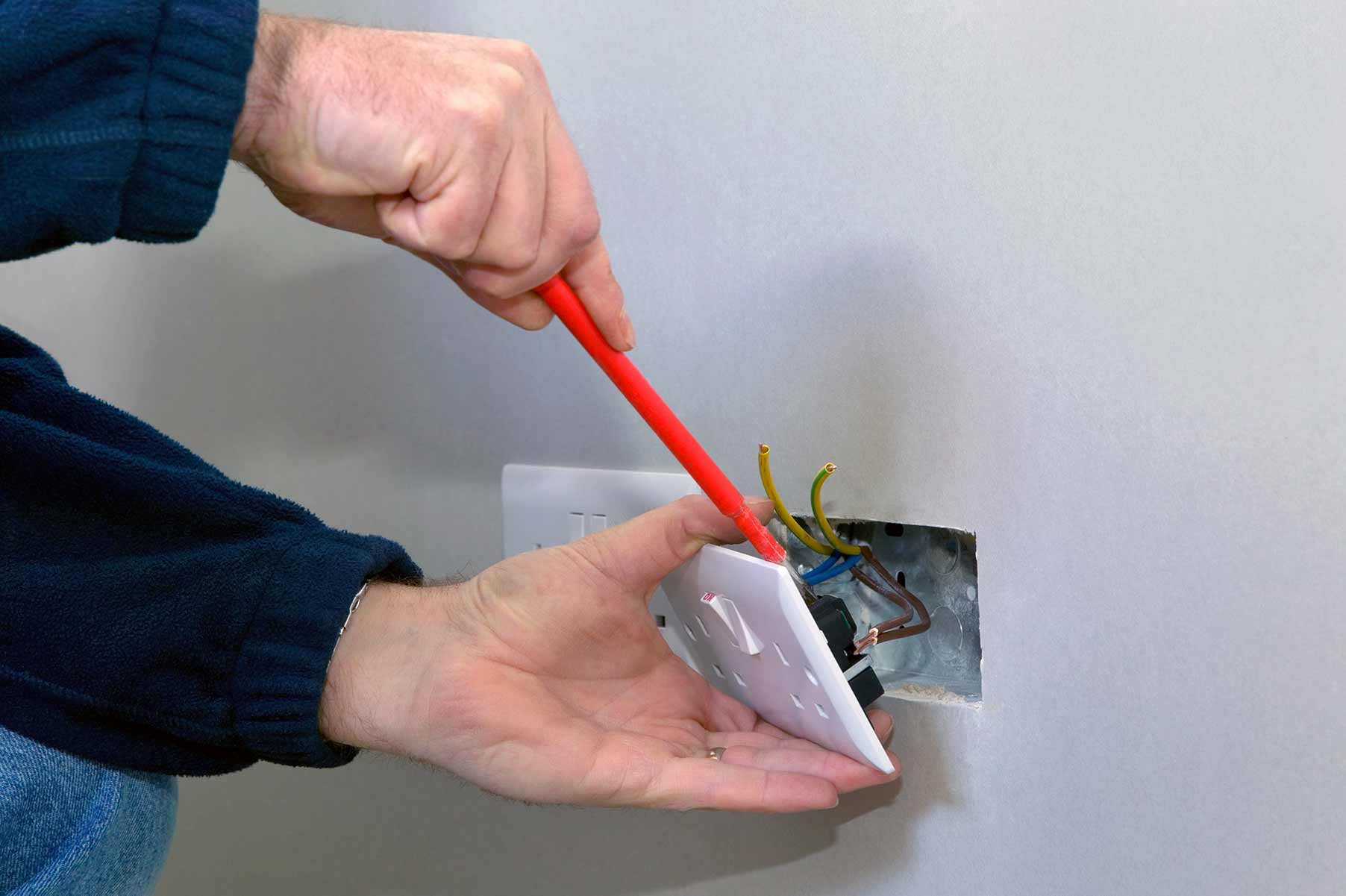 Our electricians can install plug sockets for domestic and commercial proeprties in South Ockendon and the local area.